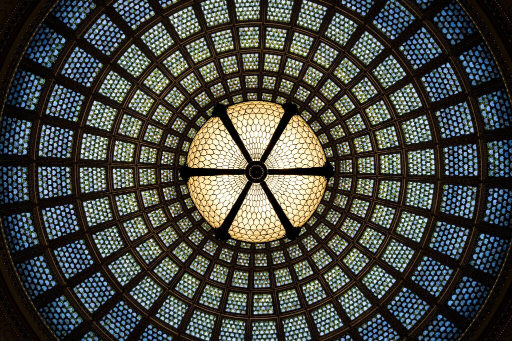stained-glass-1589648_1920-1024x683